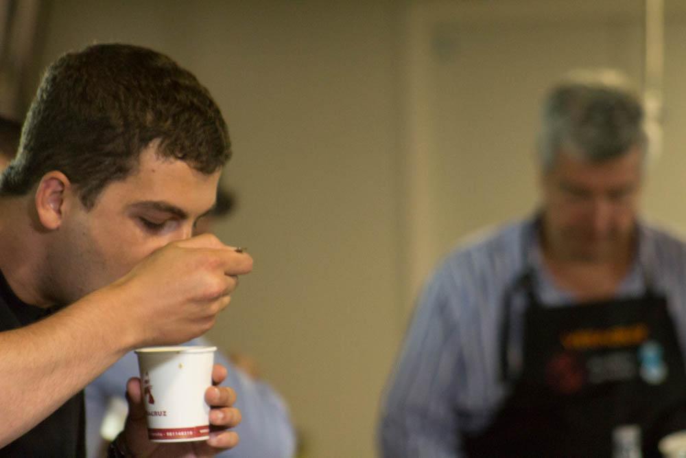 Enrique Salgueiro en la cata tradicional de Café Veracruz